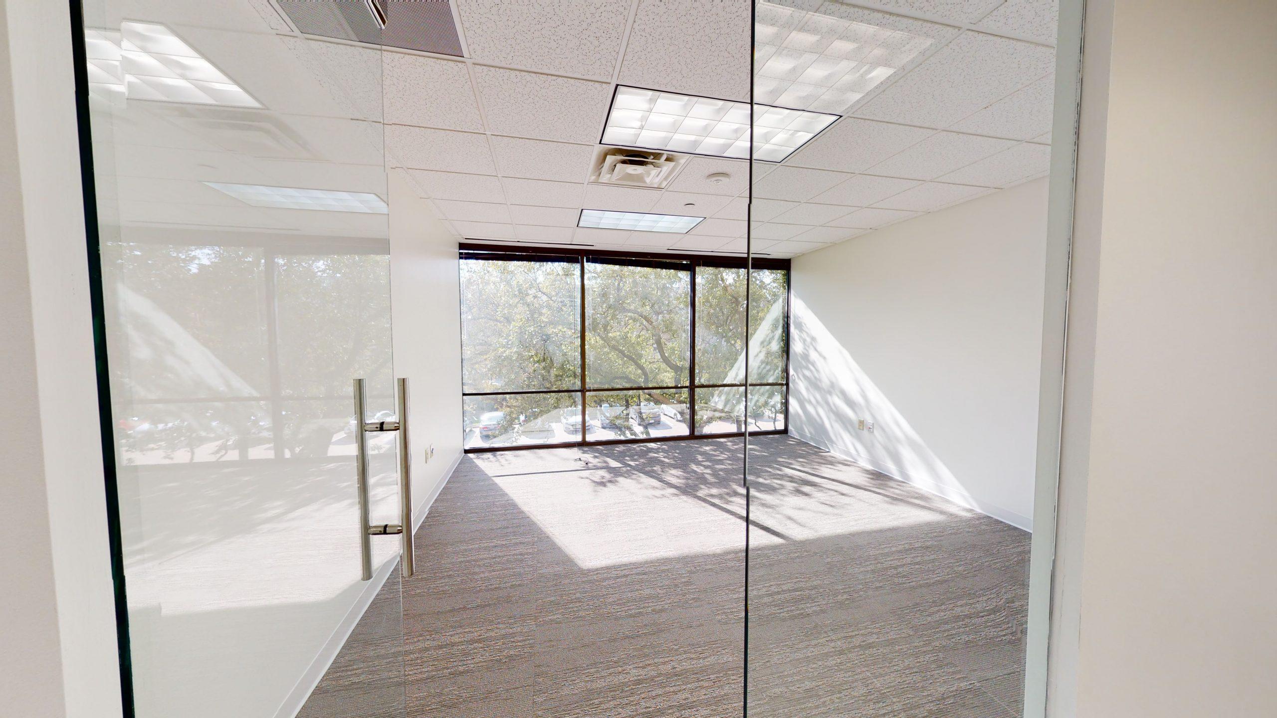1212-Corporate-Suite-250-04082021_154145